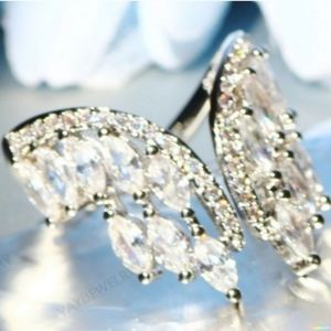 Jewelry - 🎀Sparkling Angle Wing Ring
